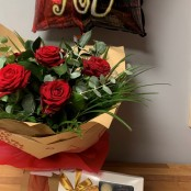 6 x Red Rose Hand Tied, Balloon and Belgian Chocolates